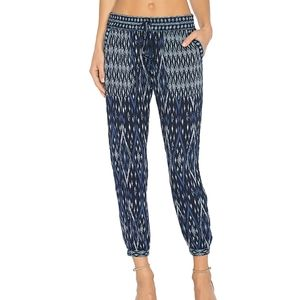 SOFT JOIE Xolani cropped printed tapered pants